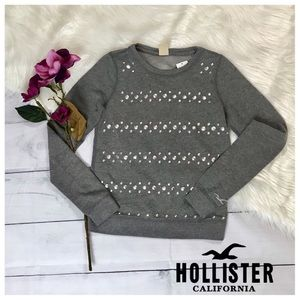Hollister. Adorable Grey Sweater. XS